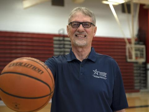 How a Minimally Invasive Procedure Allowed a Basketball Coach to Get Back to the Court